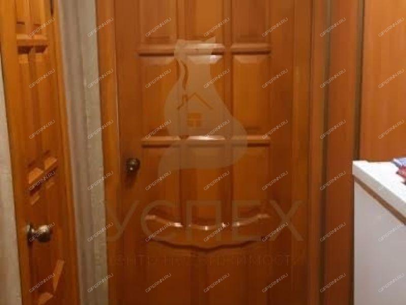 трёхкомнатная квартира на улице Строкина дом 18А