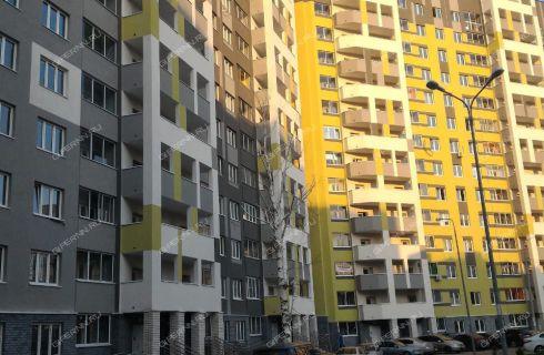 na-peresechenii-ulic-golovanova-i-vyatskoy-dom-3 фото