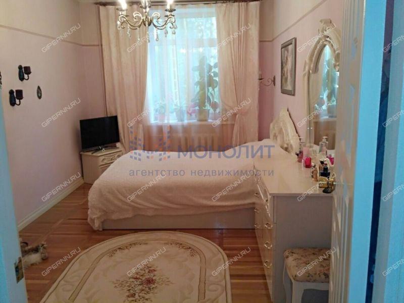 трёхкомнатная квартира на улице Героя Советского Союза Поющева дом 15